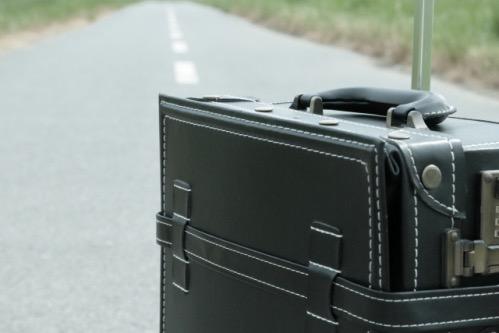 b7d320cf12 クロネコヤマトの往復宅急便を使うとスーツケースをコロコロ…の煩わしさから解放されるんです!