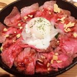 「STEAK&WINE Block (ヨドバシAKIBA店)」29(ニク)の日はランチでローストビーフ丼が500円とオトク