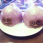 「LUIDA'S BAR(ルイーダの酒場)」モンスターたちが皿の上に!剣と呪文で倒して食べて、見た目も味も楽しいメニューが満載!