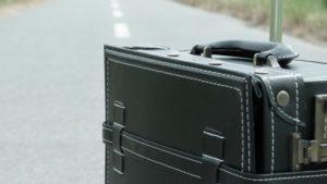 旅行時に便利!クロネコヤマトの往復宅急便を使うとスーツケースをコロコロ…の煩わしさから解放されるんです!