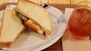 「マダム ブロ」東京駅構内にある、デンマークスタイルのオーガニックカフェでゆっくりモーニング