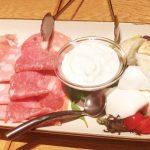 「オービカ モッツァレラバー(横浜店) 」ランチタイムから名物モッツアレラチーズやピザと飲み放題が楽しめるプランがオススメ!